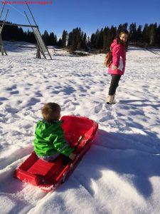 Innamorati in viaggio, montagna inverno bambini veneto, 3