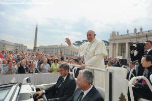 Innamorati in Viaggio, Rinnovo voti in Vaticano 4
